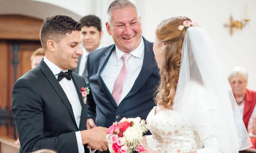 Ich begleite euch als Hochzeitsredner  auf den Weg ins Glück